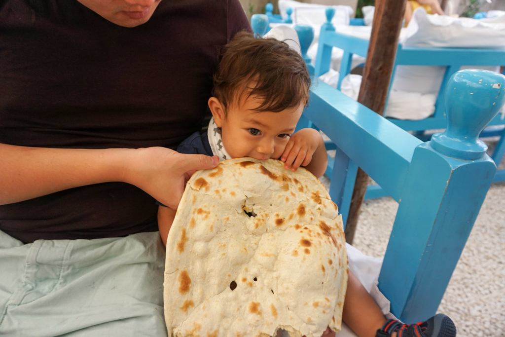 Baby travel gear for feeding and eating
