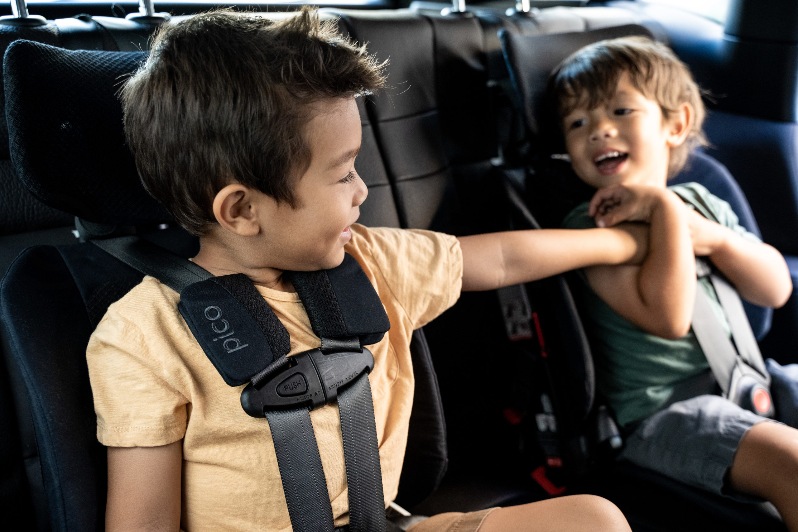 Traveling with car seats the easier way with WAYB's Pico